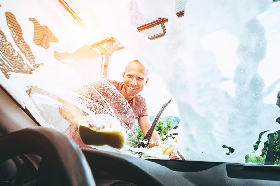 How To Clean Car Windows Without Smudges